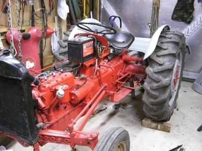 [Image Tractor with Fenders Installed]